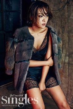"Brown Eyed Girls' member Narsha revealed her daring style in ""Singles Magazine. South Korean Girls, Korean Girl Groups, Pop Fashion, Fashion News, Ga In, Brown Eyed Girls, Korean Actresses, Lingerie Models, Girl Costumes"
