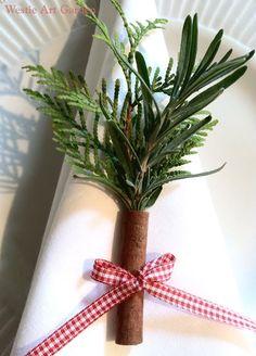 Tisch Deko mit frischem Tannengrün und Zimtstange... ... Cinnamon Sticks Table Decorations - Holiday