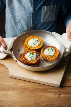 Juurespihvit | K-ruoka #kasvisruoka Good Food, Yummy Food, Salad Recipes, Vegetarian Recipes, Menu, Baking, Vegetables, Breakfast, Koti