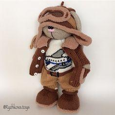 🐰 #weamiguru #villy_vanilly_shop #вязаныйзаяц (Автор идеи Бэла Макаева) Crochet Animal Amigurumi, Knitted Animals, Crochet Animal Patterns, Crochet Doll Pattern, Crochet Bunny, Stuffed Animal Patterns, Cute Crochet, Amigurumi Doll, Crochet Dolls