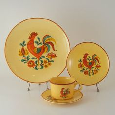 I totally forgot about these.  My mother had a set of these, that disappeared around the time Corelle came out.    Taylor Smith & Taylor Reveille Red Rooster, Mid-Century Dinnerware 1960s