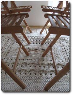 Jeszcze żaden dywan nie zajął mi tyle czasu - dwa dni solidnej roboty rozłożyły się na dwa tygodnie. To pewnie z braku ładnej pogody, choci...
