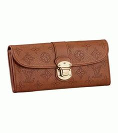 59193dcd4d7 Order for replica handbag and replica Louis Vuitton shoes of most luxurious  designers. Sellers of replica Louis Vuitton belts