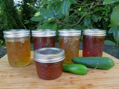 Let's make Banana Pepper Jelly! Home canning pepper jelly is a new adventure for me — but I'm willing to give it a try. My Community Supported Agricultural (CSA) basket was full o…                                                                                                                                                                                 More