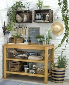 New Farmhouse Style Outdoor Kitchen Tables Ideas Cheap End Tables, Rustic End Tables, Small End Tables, Diy End Tables, Shed Interior, Interior Design Kitchen, Diy Kitchen, Kitchen Decor, Kitchen Tables