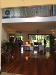 さとうあつこのハワイ不動産: カハラの邸宅
