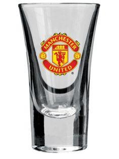 Komplet kieliszków z logo słynnego Manchesteru United – najsłynniejszego i najbardziej utytułowanego klubu na Wyspach Brytyjskich. Teraz możesz świętować z przyjaciółmi zwycięstwa Czerwonych Diabłów, racząc się czymś mocniejszym z kieliszków z herbem United.