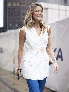 Helena Bordon veste: - Jeans A brand - Colete Zara - Bota Paula Cademartori - Bolsa Chanel - Brincos Carla Amorim Photos by Tim Regas