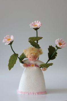 Daisy II Flower Child Waldorf Inspired di KatjasFlowerfairys