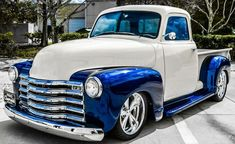Chevy trucks aficionados are not just after the newer trucks built by Chevrolet. They are also into oldies but goodies trucks that have been magnificently preserved for long years. Gmc Trucks, Chevy Pickup Trucks, Chevy Pickups, Cool Trucks, Chevy 3100, Lifted Trucks, Diesel Trucks, Chevy 4x4, Lifted Ford