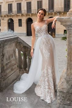 36 Chic Deep V Neck Wedding Dress in 2019 : Glamorous Deep V Neckline Floral Wedding Dress; V Neck Wedding Dress V Neck Wedding Dress, Cute Wedding Dress, Wedding Dress Trends, Best Wedding Dresses, Bridal Dresses, Wedding Gowns, Bridesmaid Dresses, Floral Wedding, Beautiful Gowns
