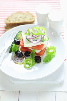 Watermelon greek salad. Click to read the recipe or save this pin for later!