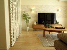 エコカラットとウッドブラインド、家具とのバランスのいいコーディネート事例