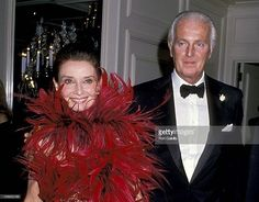 Pioneering French Fashion Designer Hubert de Givenchy has passed away at age 91 #RIP. Here is Audrey Hepburn and Givenchy during DeGivenchy receiving the state of California's First Lifetime Achievement Awards - Black Tie Gala at Beverly Wilshire Hotel in Beverly Hills October 28 1988. #hautecouture #frenchfashion #HubertdeGivenchy