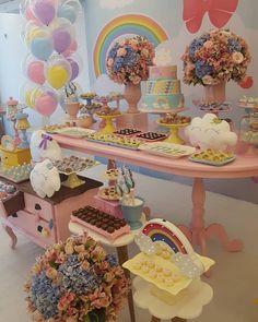 Quando colocamos o coração no que fazemos o resultado é sempre gratificante!  Assessoria, decoração e coordenação: @buonaparty #chuvadeamor #partykids #kidsdecor #decoraçãoinfantil #partydecor #dentrodafesta #encontrandoideias #gestante #mães #ballonparty #mesadecorada #maesdemenina #maesdemeninas #candycolors #buonaparty #kidsdecoration #festasinfantis #festainfantil #festamenina #ballon #festachuvadeamor #festasinfantispelomundo #maternidade #maedeprimeiraviagem #catalogodefestas