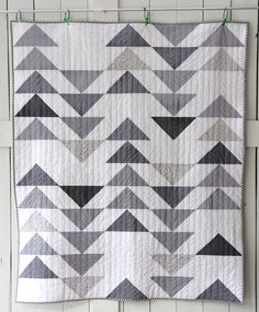Flying Geese Quilt Pattern Flying Geese Quilt Pattern - This Flying Geese Quilt Pattern design was upload on September, 2 2019 by admin. Here latest Flying Geese Quilt Pattern p. Quilt Baby, Baby Quilt Patterns, Modern Quilt Patterns, Boy Quilts, Modern Baby Quilts, Quilting Patterns, Simple Baby Quilts Ideas, Twin Quilt Pattern, Modern Quilting Designs