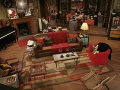 TripleMint analyzes the most notorious How I Met Your Mother apartment to show you where - and for how much - you could get an Upper West Side pad like How I Met Your Mother, Upper West Side Apartment, The Bigbang Theory, Ted Mosby, Casas The Sims 4, Mid Century Modern Living Room, Deco Boheme, Dream Apartment, Studio Apartment