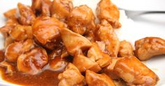 Mennyei Édes-csípős csirke recept! Zseniálisan finom, gyorsan elkészíthető étel. Igazi egzotikus édes-csípős csirke recept! Köretnek főtt rizs és saláta ajánlott. Hogy mennyire legyen csípős, a Tabasco-val lehet szabályozni. Az alap recept mérsékelten csípős. Hungarian Recipes, Hungarian Food, Paleo, Easy Meals, Food And Drink, Lunch, Dishes, Chicken, Cooking