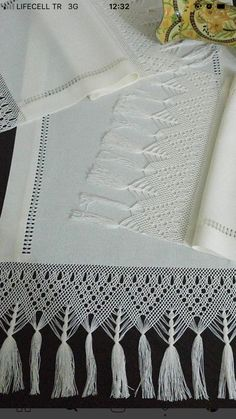 Diy And Crafts, Arts And Crafts, Hand Weaving, Ideas, Lace, Tejidos, Bangs, Gift Crafts, Art And Craft