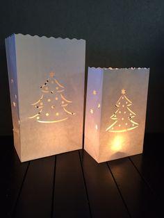 Candlebag kerstboompje nu ook in een maatje kleiner, vind je de gewone candlebags te groot, bestel dan zijn kleinere broertje op onze website bij de Candlebags Klein. 10 stuks voor maar 8,95. www.candlebagplaza.nl