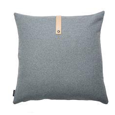 Beautiful cushion in stylish, light gray wool - Louise Smærup