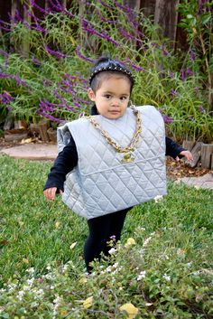 How friggin fabulous is this little girl's halloween costume?!?! Once Gemma can walk she needs to be a Louboutin heel or something :)