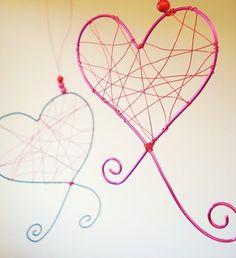 Como hacer decoraciones para San Valentin: Corazones de alambre