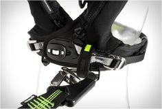 spinlock-auto-inflating-vest-5.jpg