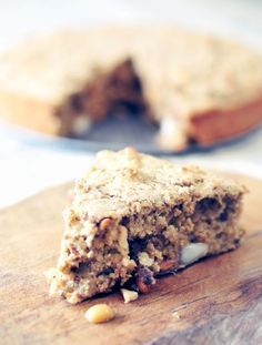 Oatmeal cake with nuts Healthy Cake, Healthy Sweets, Healthy Baking, Healthy Breakfasts, Feel Good Food, Love Food, Pancakes Muesli, Gateaux Cake, Happy Foods