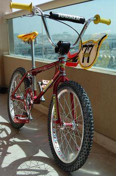 Bmx Mountain Bike, Big Blue Whale, Vintage Toys 1970s, Vintage Bmx Bikes, Bmx Cruiser, Best Bmx, Bmx Racing, Motocross Bikes, Bmx Bicycle