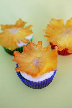 Hummingbird Cupcakes with Pineapple 'Flowers'