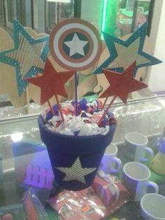 Resultado de imagen para centros de mesa para cumpleaños de capitan america Captain America Party, Captin America, Captain America Birthday, 2nd Baby Showers, Ideas Para Fiestas, Photo Booth Props, 5th Birthday, Party Time, First Birthdays