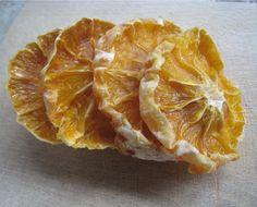 Déshydrater Orange / Agrumes avec un déshydrateur: étapes pas à pas en photos, température et durée de séchage, recette et bien plus.