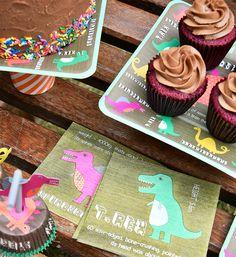 Você salvou em Festa dos Dinossauros Festa no jardim Dinossauros!!! Fotos: @Sidney Chiu.doll.3 Bolo de chocolate e cupcakes: @mariacomacucar Produção: @augurifestas e @Fernanda Emmerick Realização: @Mix Conteúdo para Mimoo Toys´n Dolls #dinossauros #dinossauro #merimeri #festadecriança #festainfantil #mimootoysndolls