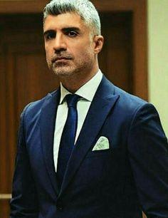 Con bronca pronto para el divorcio🤔😢😢😢 Future Husband, Istanbul, Suit Jacket, Suits, My Love, Celebrities, Jackets, Wedding, Fashion
