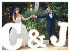 Novios con letras #wedding #bodas #novios #letras
