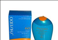 Kem chống nắng Shiseido Ultimate Sun Protection Lotion For Face/Body SPF 60 của Nhật bảo vệ làn da tránh khỏi tác hại của nắng, giảm hiện tượng da bị cháy nắng và tránh được các hiện tượng tiền lão hóa. Lotion cung cấp độ ẩm cho làn da, chống lại hiện tượng khô da và khôi phục độ ẩm cân bằng của làn da.