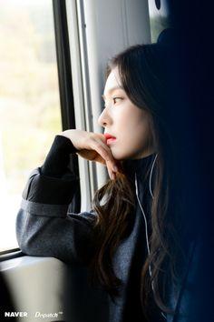 Irene (Bae Joo Hyun) from Red Velvet girlgroup, South Korea Red Velvet アイリーン, Red Velvet Irene, Seulgi, Kpop Girl Groups, Kpop Girls, Korean Girl, Asian Girl, Red Valvet, Korean Celebrities