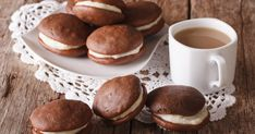 Old-Fashioned whoopie pie recipe with rich chocolate cakes and filled with a homemade cream filling. These old-fashioned whoopie pies are everyone's favorite. Dairy Free Treats, Dairy Free Recipes, Pie Recipes, Dessert Recipes, Cookie Recipes, Gluten Free, Old Fashioned Whoopie Pie Recipe, Chocolate Whoopie Pies, Chocolate Cakes