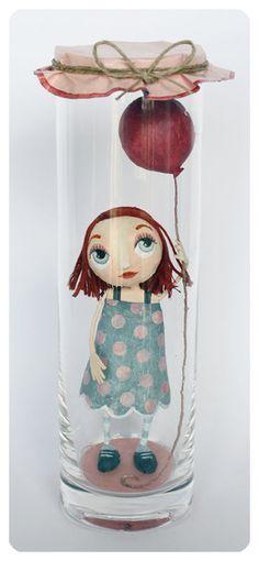 Puedo hacer mi propia muñeca y ponerla en una copa honda también.