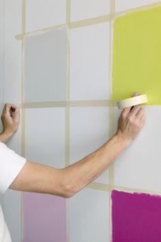 Wall painting pattern-yourself-making-checkerboard - Wall Design Wall Paint Patterns, Painting Patterns, Bedroom Wall Designs, Living Room Designs, Wall Colors, House Colors, Diy Wall Painting, Checkerboard Pattern, Geometric Wall