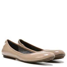 An all-time favorite, the Friendly flat from Dr. Scholl's comes in new colors and materials to add dimension and fun to your wardrobe. This go-anywhere flat pairs with anything and everything with ease.Canvas, felt, faux leather, or fabric upperRound toeMemory Foam Cool Fit insoleFlexible, durable sole