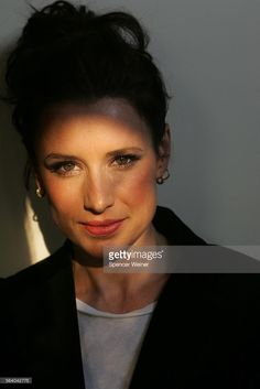 Smith appeared in Saw II, and was a would–be victim of the maniacal serial killer at the center of the series – jigsaw. In Saw III, Smith's character is now Jigsaw's. Shawnee Smith, Amanda Young, Good Movies, Awesome Movies, Horror Films, Will Smith, Beautiful Women, Celebs, 40 Rocks