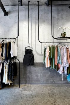 La Maison Jolie: Design Envy: A Design Forward Fashion Boutique! Fashion Shop Interior, Fashion Store Design, Boutique Interior Design, Boutique Decor, Interior Design Studio, A Boutique, Boutique Clothing, Fashion Boutique, Boutique Ideas