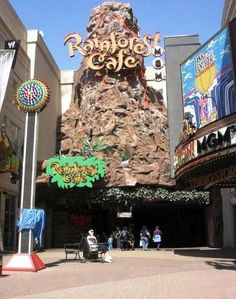 Rainforest Cafe, Niagara Falls, Canada