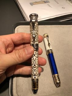 Montblanc Patron of Art (POA) Homage to Ludwig II Limited Edition 4810 Best Fountain Pen, Fountain Pens, Plum Art, Luxury Pens, Pencil Painting, Pen Pals, Calligraphy Pens, Writing Pens, Writing Styles