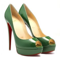 Green Lady peep patent pumps ($435) ❤ liked on Polyvore featuring shoes, pumps, heels, scarpe, peeptoe pumps, green pumps, green patent leather pumps, green peep toe shoes and green patent leather shoes