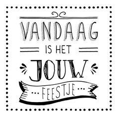 Vandaag is het jouw feestje! verjaardagskaart van Zwart Wit kaarten versturen bij Kaartwereld: 20% korting bij het maken van een gratis account.