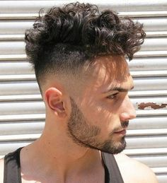 Curly Skin Fade With Beard Men S Curly Hairstyles 42 New Fade Haircuts For Men 2019 Styles Curly Hair Men Fade 16 Best Curly Hair Fade Haircuts For Guys In 2020 Haircuts For Curly Hair, Curly Hair Cuts, Cool Haircuts, Haircuts For Men, Curly Hair Styles, Long Curly Hair Men, Curly Short, Men's Haircuts, Curly Girl