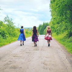 Go where the road takes you! #summer #befree #roadtrip #adventure #dressrevolution #strongwomen #independentwomen #friends #everydayisadressday #thesebootsaremadeforwalking #seikkailu #tiekutsuu #kesä #vapaus #mekkovallankumous #jokapäiväonmekkopäivä #misswindyshop